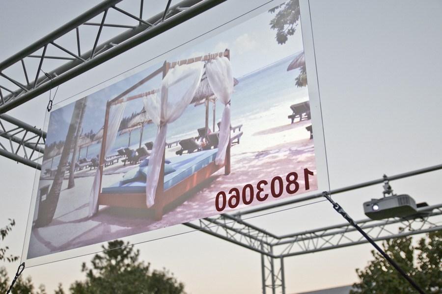 Graue r ckprojektionsfolie f r projektionen durch glas ifoha for Wandfolie transparent