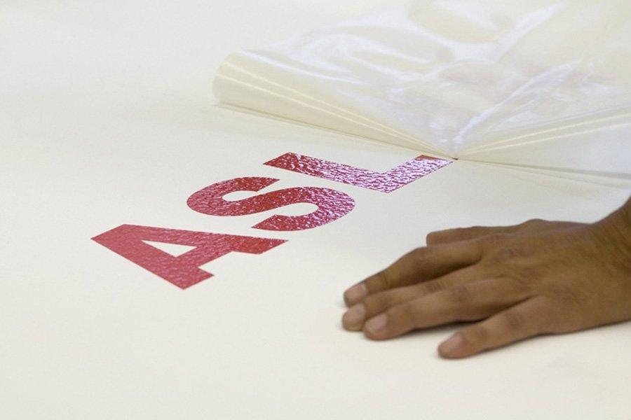 Application tape f r das einfache bertragen von for Klebefolie transparent farbig